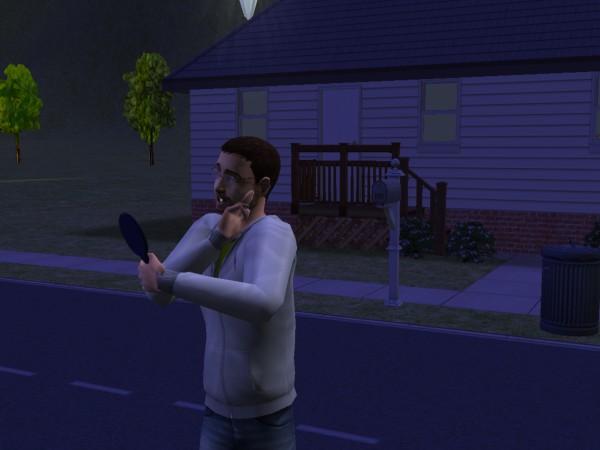 Денис смотрит в зеркало и удивляется!