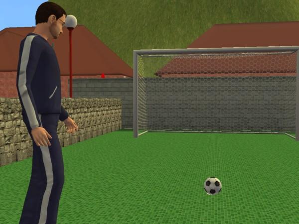 Денис играет в футбол.