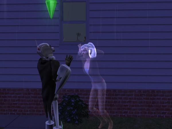 Лилия пугает Антона.