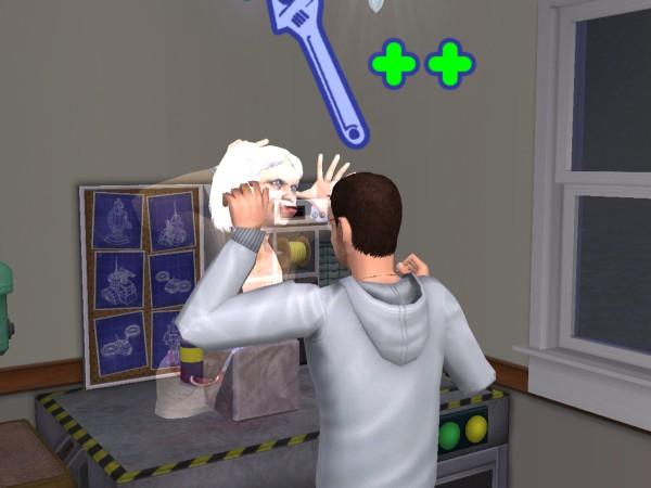 Лилия пугает Дениса.